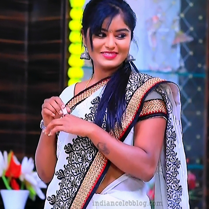 Kannada TV actress Kinnari S1 5 sari caps