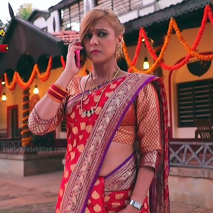Krystyna devina lason kannada tv actress Bili HS1 2 saree photo
