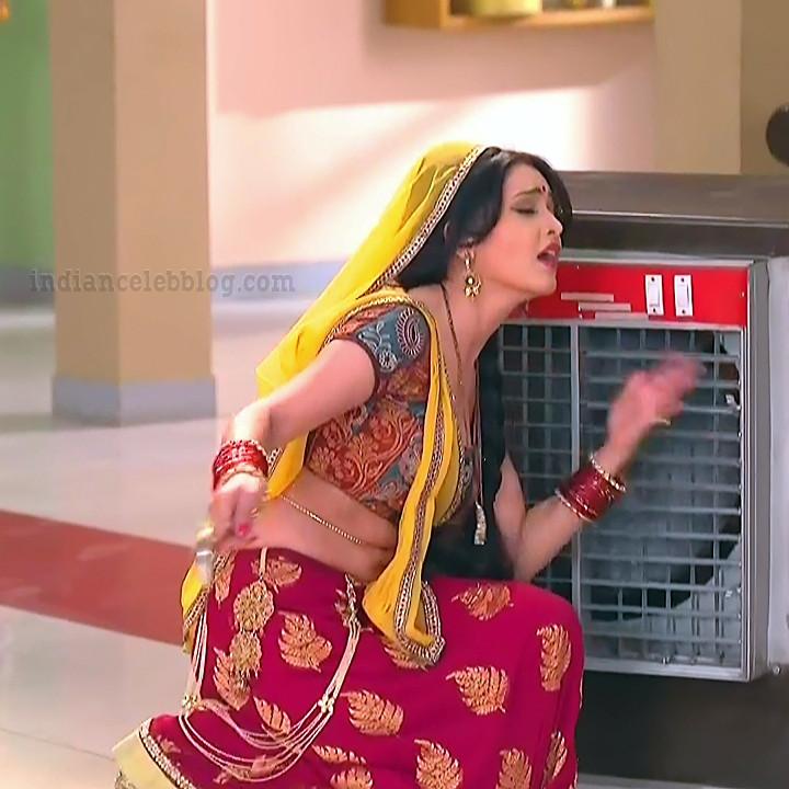 Shubhagi atre hindi serial Bhabhiji ghar 8 hot saree caps