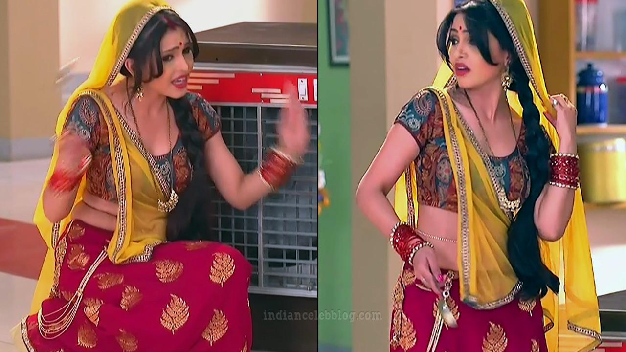 Shubhagi atre hindi serial Bhabhiji ghar 9 hot saree pics