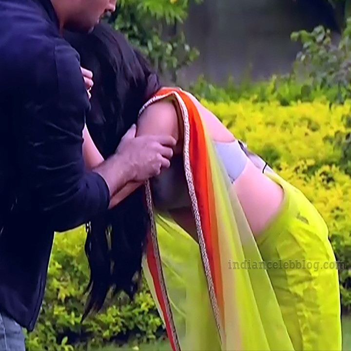 Tiya-gandwani-shakti-astitva-serial-actress-S1-13-hot-sari-caps