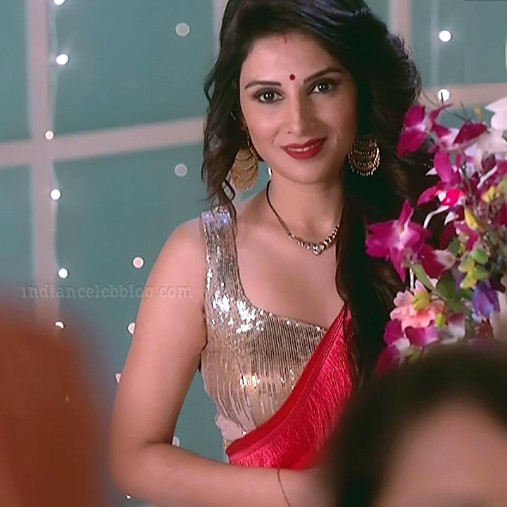 Tiya-gandwani-shakti-astitva-serial-actress-S1-2-hot-sari-caps