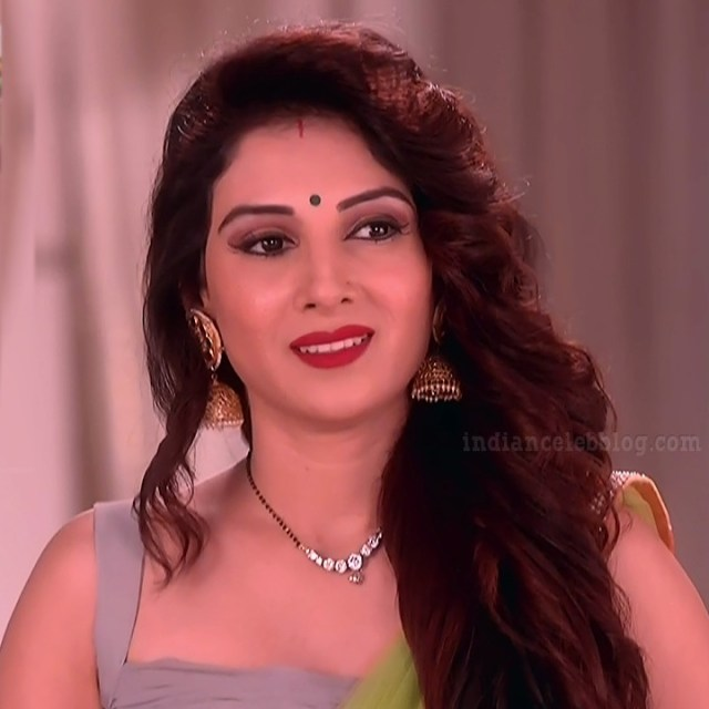 Tiya-gandwani-shakti-astitva-serial-actress-S1-4-hot-sari-photo