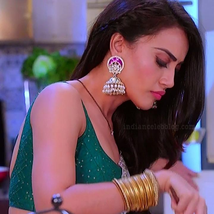 Surbhi jyoti Naagin 3 tv actress s6 12 saree photo