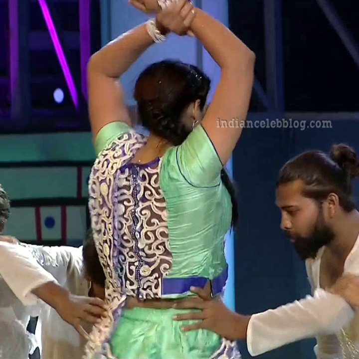 Bhavana Telugu TV anchor rangasthalam dance S1 23 hot pic