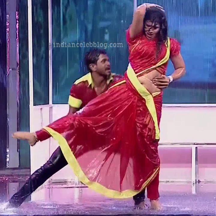 Bhavana Telugu TV anchor rangasthalam dance S1 8 hot photo