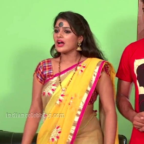 Monisha nandhini telugu serial actress s3 14 hot sari pic