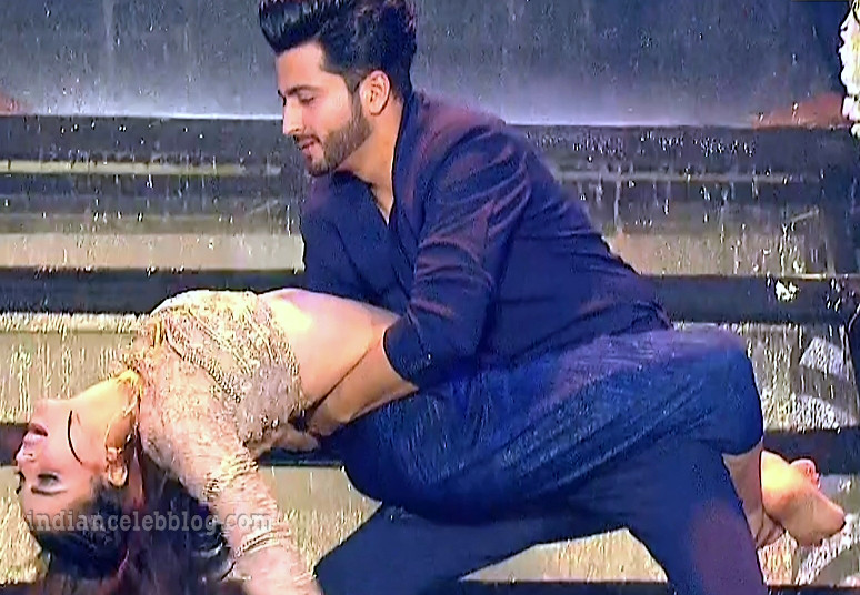 Shraddha arya zee rishtey awards hot dance s1 22 pics_phatch