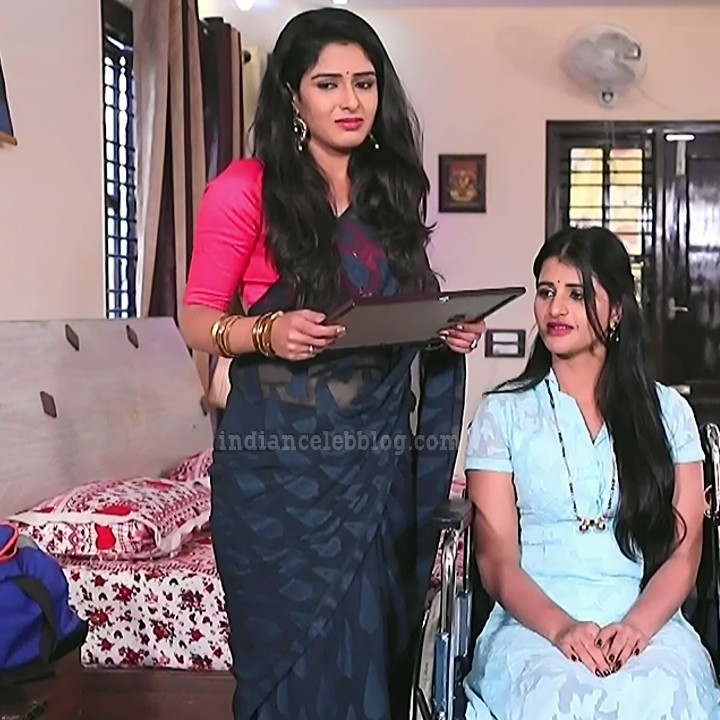 Supritha sathyanarayan kannada tv actress SeethaVS1 5 photo