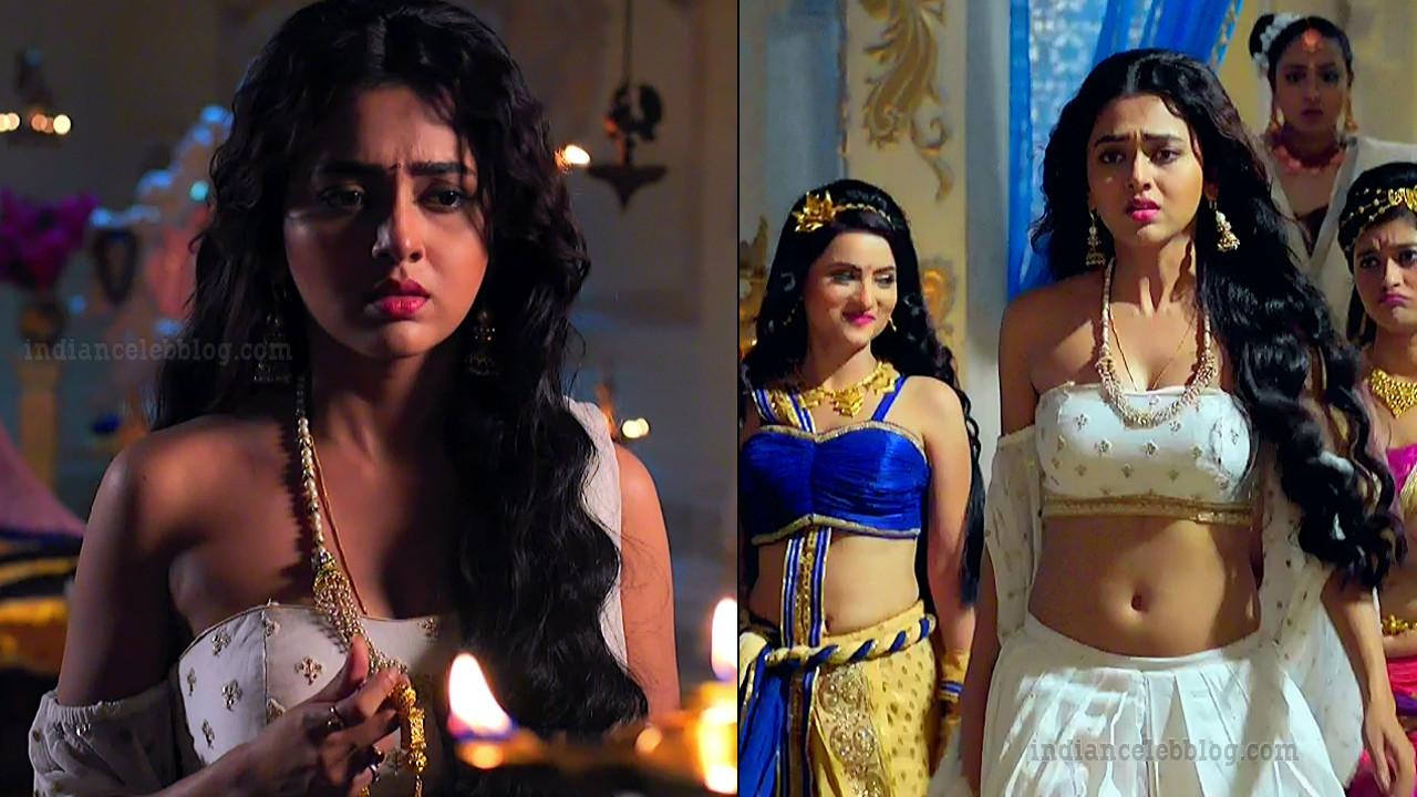 Tejaswi Prakash hot navel show HD caps from Karn sangini series