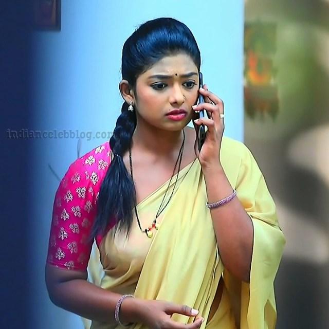 Bhoomi shetty Kinnari actress S5 1 saree pic