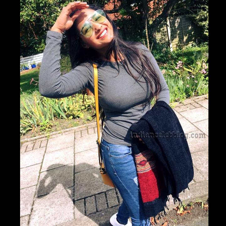 Sharanya turadi tamil tv actress CTS2 6 photo gallery