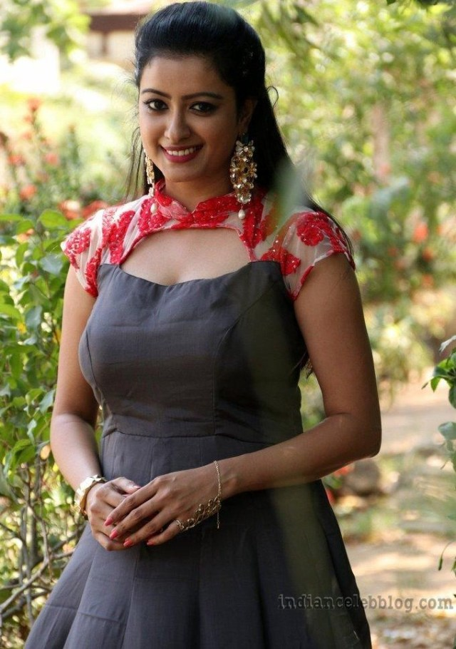 Nisha krishnan Tamil tv actress CTS1 19 hot photo