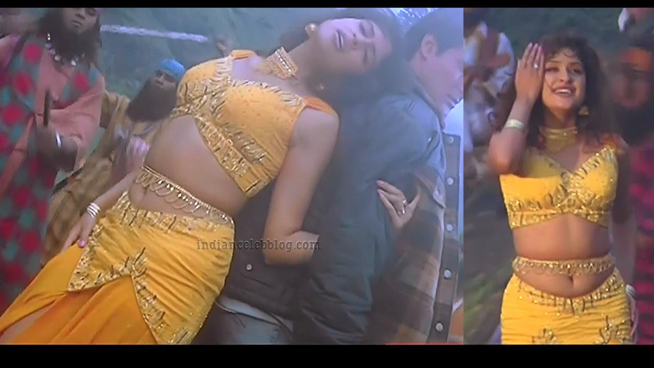 Anjala zaveri Pyaar kiya to darna kya hindi movie hot song caps