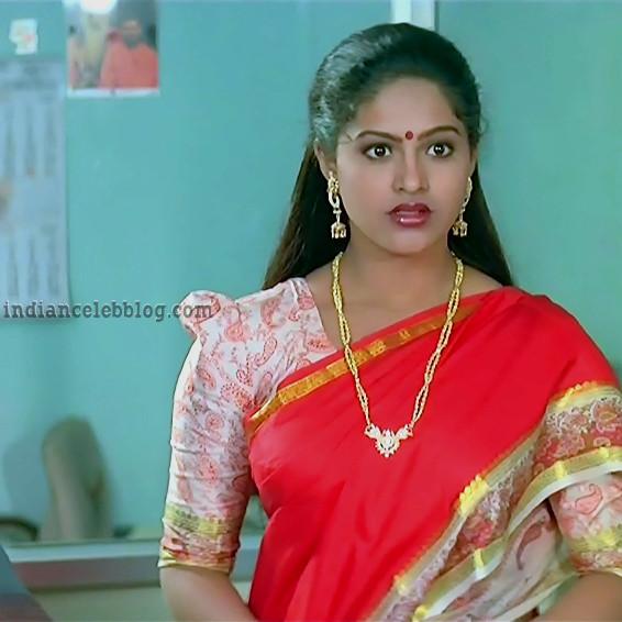[Image: Raasi-Pandaga-telugu-movie-S1-13-hot-sar...sl=1&w=640]