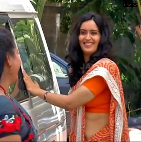 Kausalya_Tamil TV Actress-AKKA_10_Saree Navel