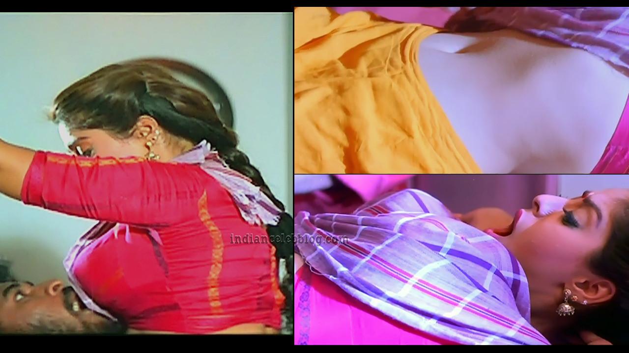 Nagma saree navel scene caps from Love birds tamil movie