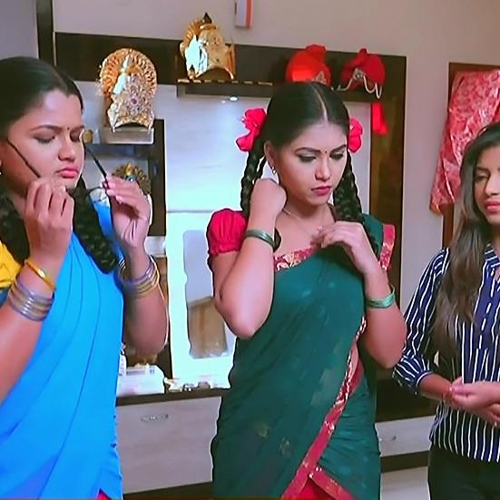 Amulya Gowda Kamali kannada serial S1 2 half sari pic