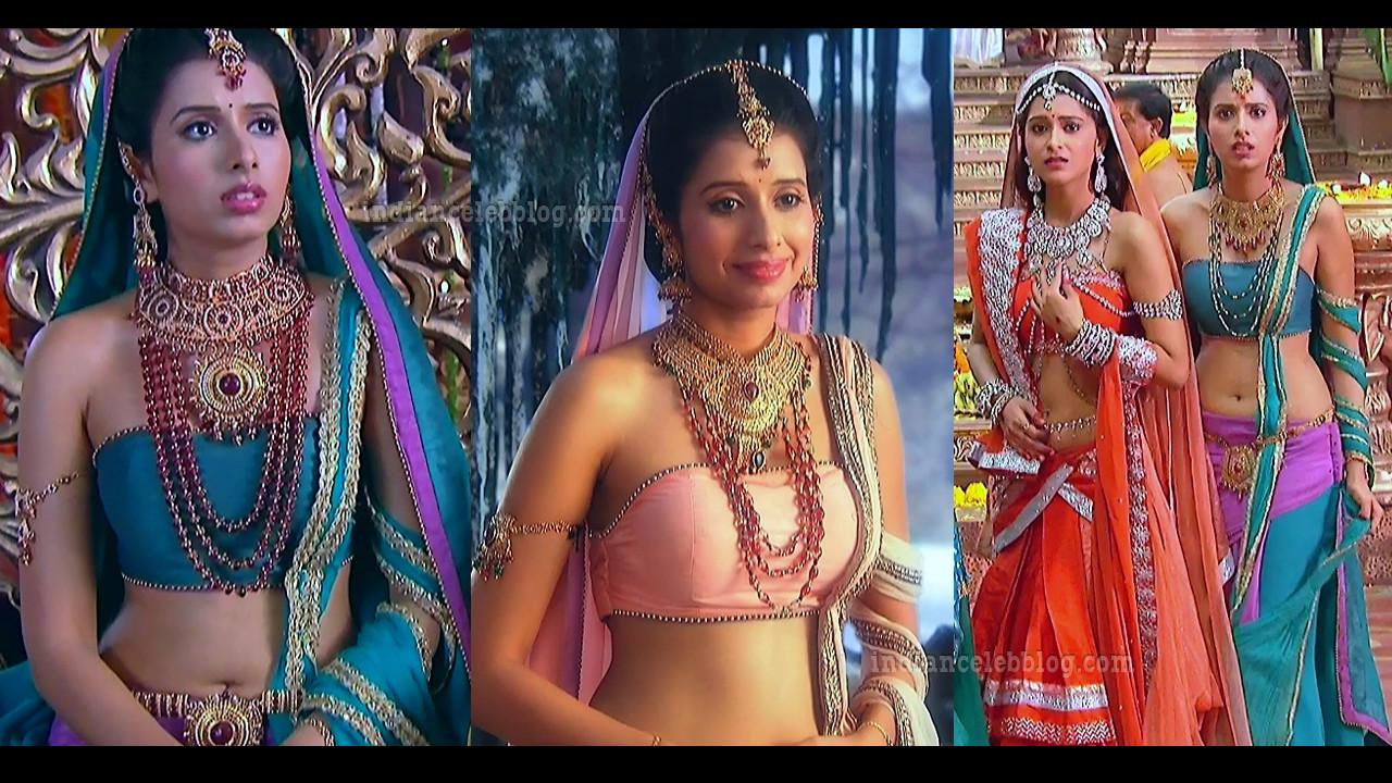 Charu Asopa hot navel show Devon ke dev series