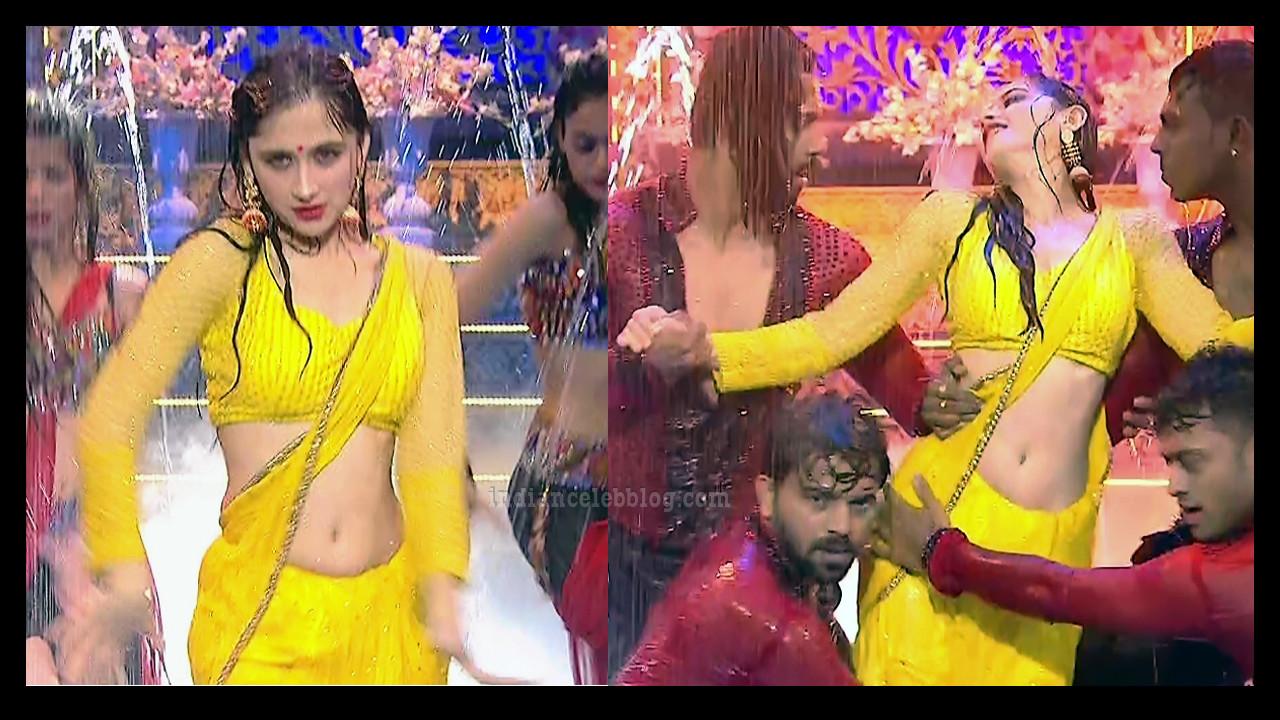 Sanjeeda sheikh tv show hot rain saree dance S1 12 thumb