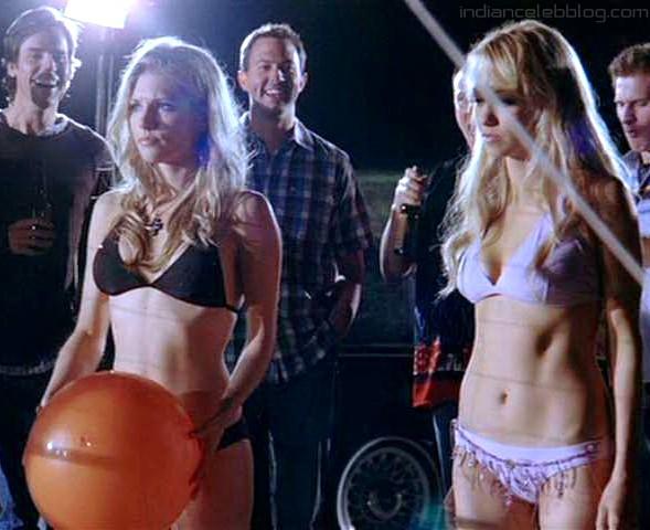 Bikini katheryn winnick Katheryn Winnick