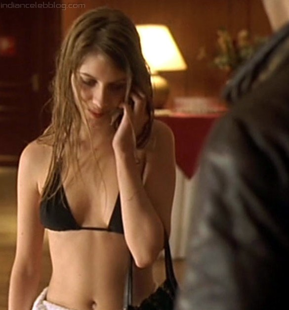 Mélanie laurent sexy