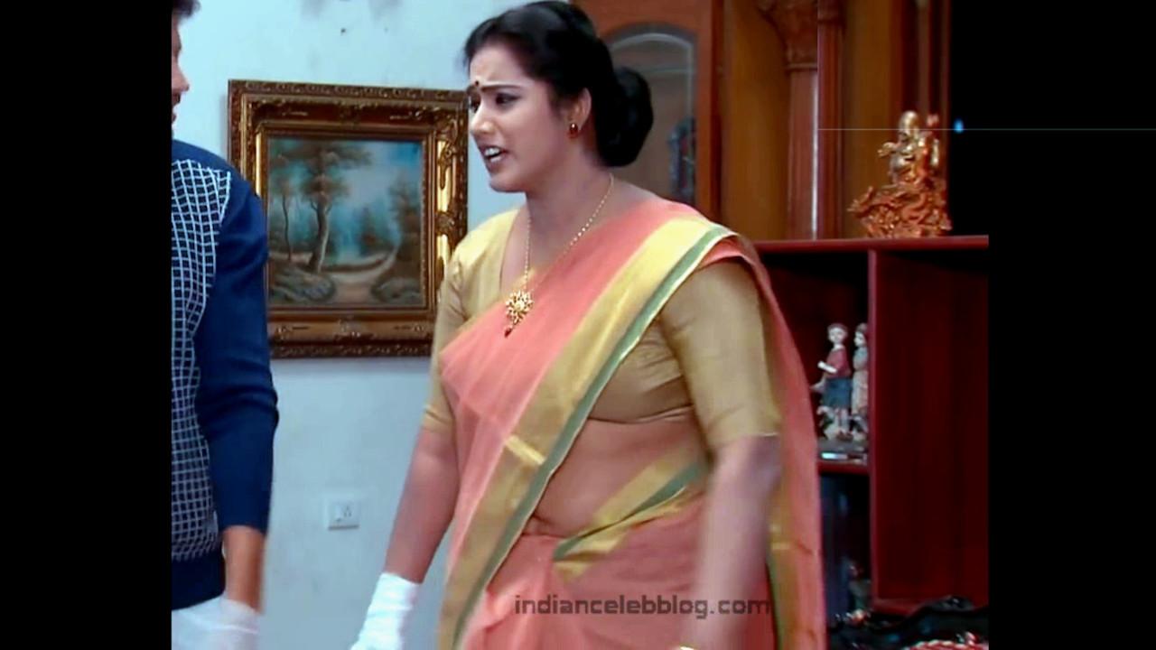 Sravani telugu tv actress hot saree navel slip Video