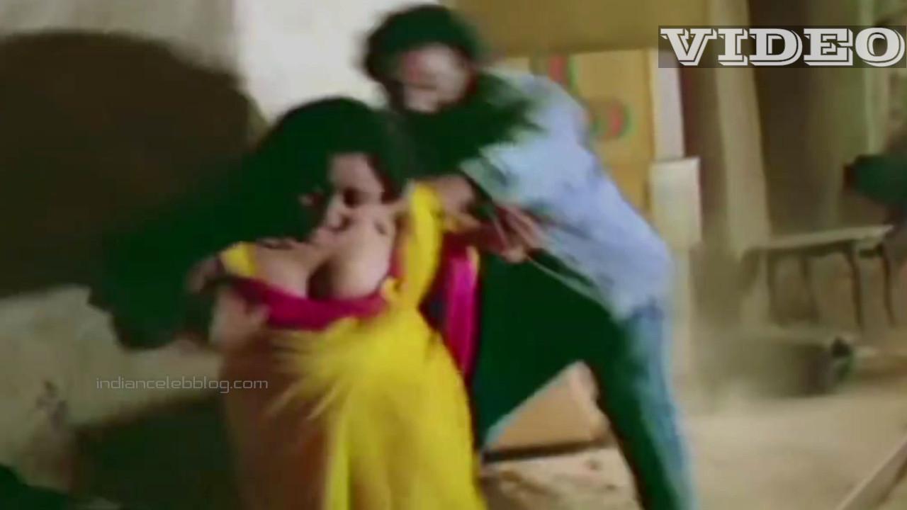 Madhuri dixit saree strip bollywood villain scene