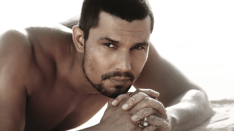 Randeep Hooda kiss