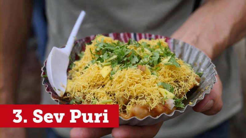 indian-street-food-10-best-things-to-eat-in-mumbai-mp4_000166760