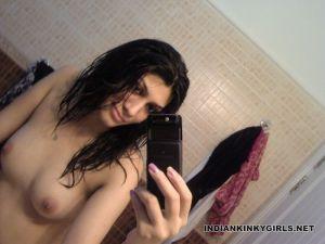 Indian nude selfies _005