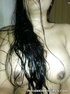 Indian Girl Boobs Show In Shower _004