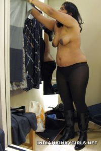 topless indian aunty