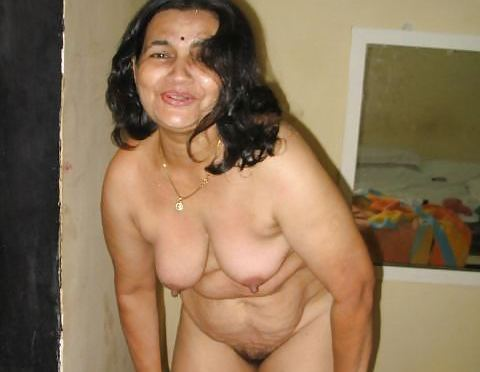 Delhi Aunty Stripping Nude