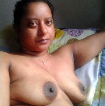 Horny Delhi Bhabhi Nude Selfies Showing Big Tits And Hairy Pussy