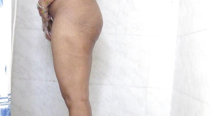 Desi Wife Nude Bathing Photos Leaked Online