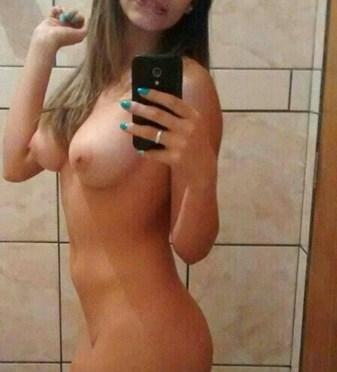 Blonde Nri Teen Nude Selfies Leaked Online
