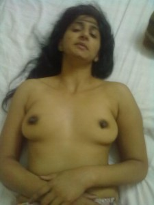 indian wife nude