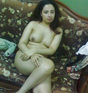 nude indian wife