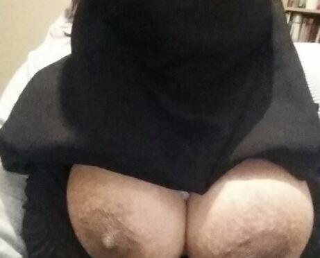 Srinagar Muslim College Girl Selfies Posing Pussy Leaked