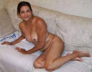 nude desi wife