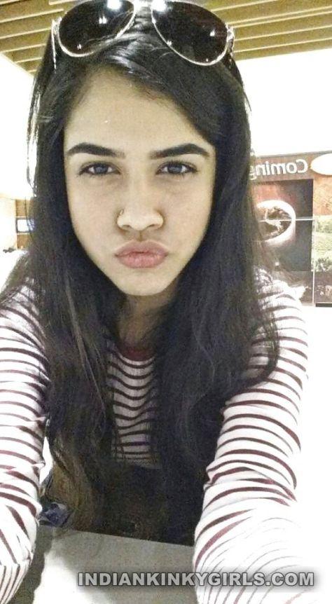 sexy indian teen neetu complete nude selfies
