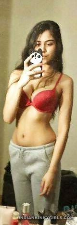 sexy indian teen neetu complete nude selfies 002