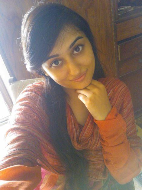 cute delhi girl with huge boobs topless selfies 004