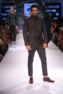 09_IMM_Indian_Male_Models_Bugatti