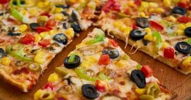 Pizza banane ka tarika