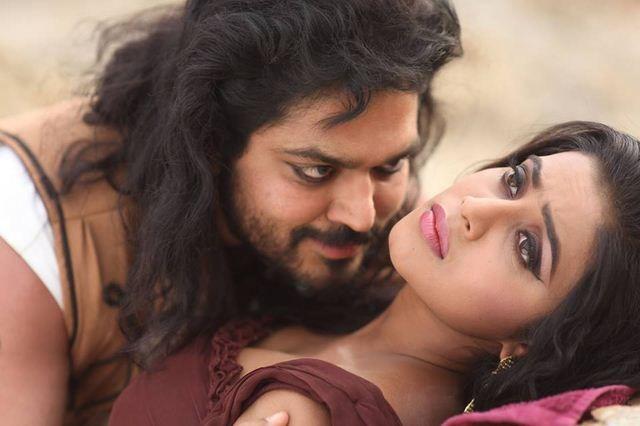 भाभी उधार लेकर रंडी बन गयी - रंडी तेरे कपड़े उतार भाभी की चूत में लंड डालने लगा और भाभी बहुत जोर से चिल्ला रही थी Hindi Sex Stories