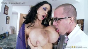 Dick hungry MILF Amy Anderssen with huge hooters big Boobs Full HD Nude image Collection