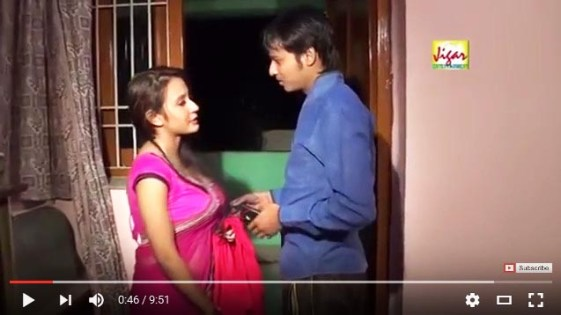 भाभी के आम दबा दिए Indian Desi Bhabhi Romance Hindi Hot SHort Film