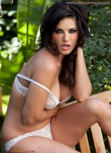 Sunny Leone gets hottest Shine Body Figure Without Clothes Sunny Leone XXX Nude Images Indian girl nude images 13